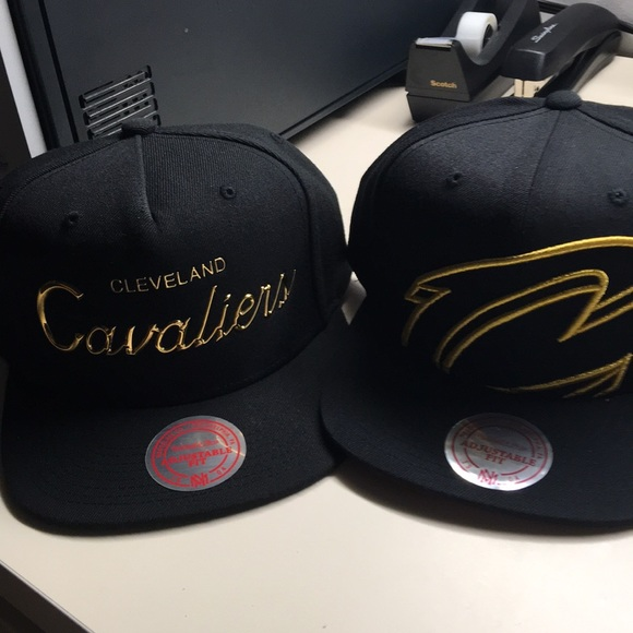 Mitchell & Ness Other - Cleveland Cavaliers SnapBack hat set of 2